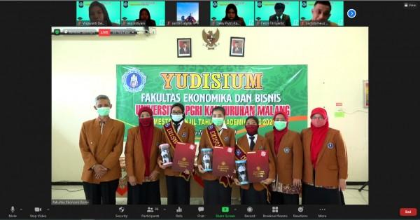Prosesi yudisium Fakultas Ekonomika dan Bisnis (FEB) Unikama (Ist)
