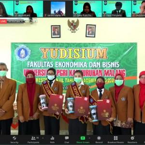 Mahasiswa 3 Prodi FEB Unikama Jalani Prosesi Yudisium