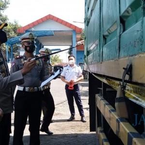 Jadi Penyebab Jalan Rusak, Truk ODOL Diamankan Satlantas Tulungagung