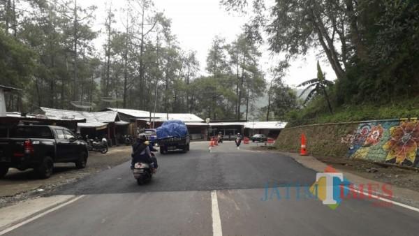 Suasana kawasan warung Payung 1 di Jalan Brigjen Moh Manan, Songgokerto, Kota Batu, Kamis (18/2/2021) (Foto: Mariano Gale)