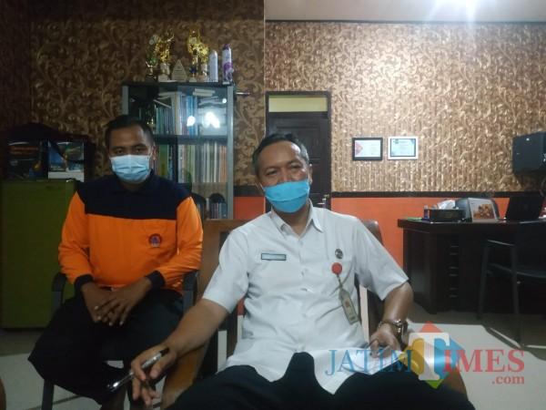 Kepala Badan Penanggulangan Bencana Daerah (BPBD) Sumenep, Abd Rahman Riadi saat dikonfirmasi di ruang kerjanya (Foto:Ist/JatimTIMES)