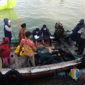Mayat Tanpa Identitas Ditemukan Mengapung di Perairan Sumenep