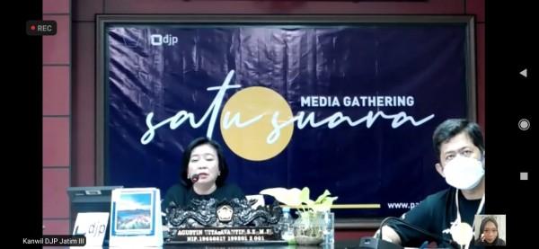 Agustin Vita Avantin, Kepala Kanwil DJP Jawa Timur III, dalam media gathering virtual, Jumat (19/2/2021)(Ist).