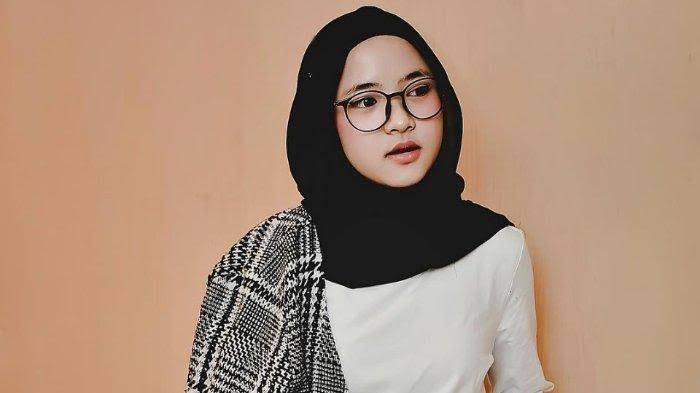 Terbaru, Merebak Kabar Nissa Sabyan dan Ayus  Kerap Pesan Connecting Room saat Show Luar Kota