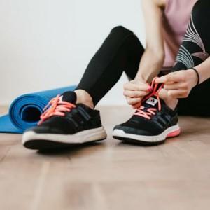 Tips Sehat Olahraga di Rumah Ala Wanita Manajer Pemasaran di Tulungagung