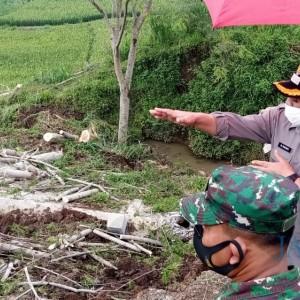 Jalan Penghubung 3 Desa Longsor, Bupati: Harus Segera Diperbaiki