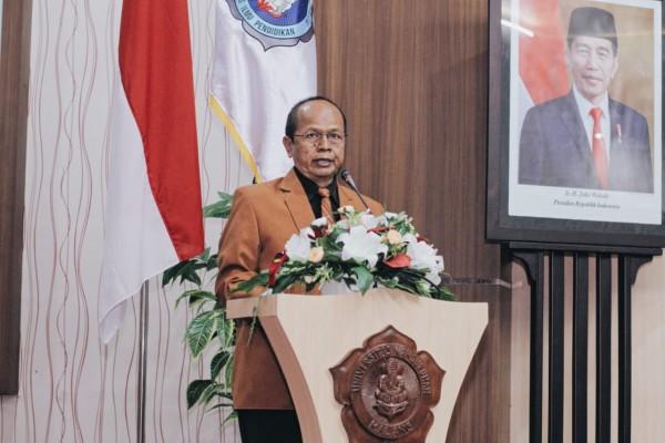 Dekan FIP Unikama Dr Triwahyudianto SPd MPd saat memberikan sambutan dalam yudisium (Unikama for MalangTIMES)