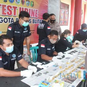 Ratusan Polisi di Blitar Mendadak  Dites Urine, Hasilnya?