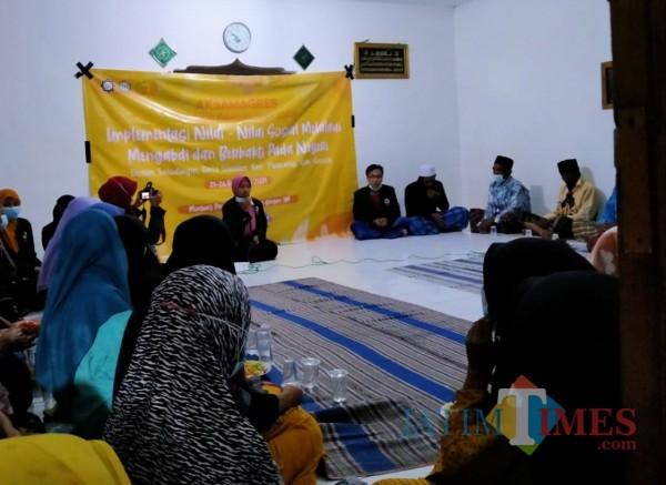 Sosialisasi mahasiswa kepada warga Selodingin