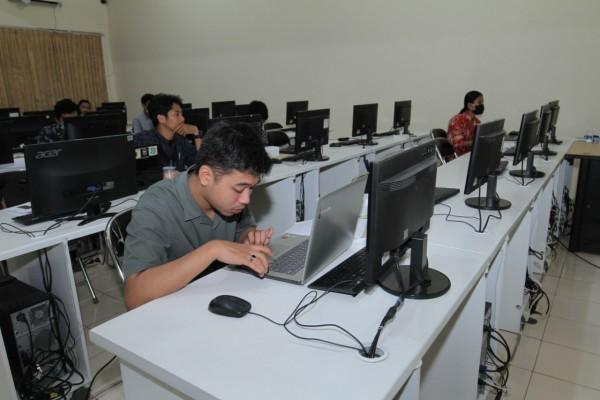 Mahasiswa Unikama saat mengikuti Uji Sertifikasi Kompetensi (Ist)