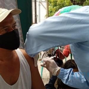 Vaksinasi Pedagang Pasar Ngemplak Sepi Peminat