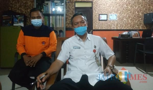 Sekretaris Satgas Penanganan Covid-19 Kabupaten Sumenep, Abd. Rahman Riadi saat dikonfirmasi media di kantornya (Foto doc: Syaiful Ramadhani/JatimTIMES)