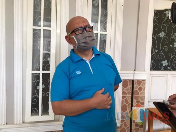 Ketua RT 02 komplek rumah terduga teroris yang ditangkap Densus 88 Jumat (26/2/2021) di Singosari. (Foto: Hendra Saputra/MalangTIMES)