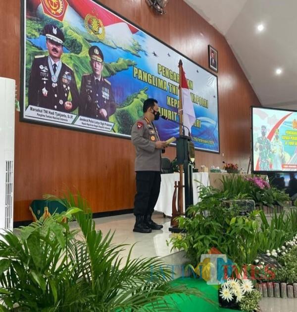 Panglima TNI Marsekal Hadi Tjahjanto dan Kapolri Jenderal Listyo Sigit Prabowo melakukan kunjungan kerja (kunker) ke Papua