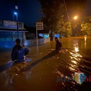 Kutorenon Dilanda Banjir Terparah, BPBD Lumajang Dirikan Dapur Umum