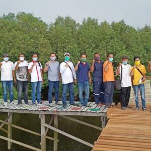 Kunjungi Wisata Mangrove di Kebomas, APEDI: Konsep Kita Bangun Jembatan Beton Apung