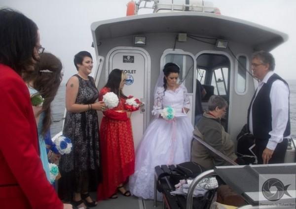 Pernikahan spiritual Amanda Teague, wanita asal Irlandia yang dikabarkan menikah dengan hantu (boombastis)
