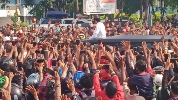 Presiden saat kunjungan kerja di Maumere (Foto : Internet)