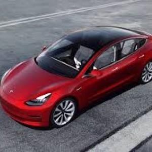 Canggih! Atap Tesla Model 3 Bisa Cairkan Salju