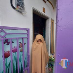 Istri Terduga Teroris di Malang Pertanyakan Penangkapan Suaminya, Sebut Cek Rp 2,7 Miliar Menemukan di Jalan