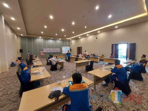 Permudah-Kerja-DPUPRPKP-Kota-Malang-Gelar-Pelatihan-Operator-Gandeng-USAID-IUWASH-PLUSbfe73f2c827ad037.jpg