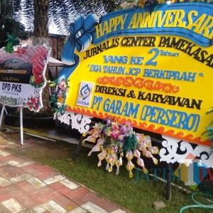 Karangan Bunga Banjiri Acara Anniversary Jurnalis Center Pamekasan yang Ke-2