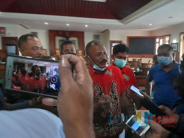 Ketua AKD Tulungagung Mohamad Soleh saat dikonfirmasi usai hearing di Kantor DPRD Tulungagung (Foto: Muhsin/TulungagungTimes)
