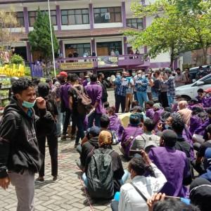 Puluhan Mahasiswa Unitri Suarakan 3 Tuntutan, Begini Tanggapan Pihak Kampus