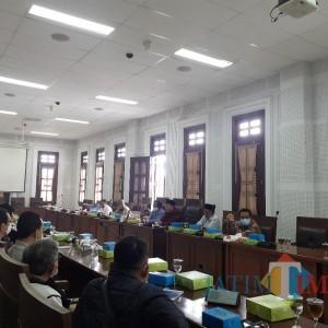 Pedagang Pasar Besar Kota Malang Resah, Wadul ke Dewan Minta Pembangunan Ditunda