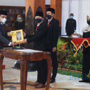 Sertijab Bupati Trenggalek, Mochamad Nur Arifin Fokus Ekonomi Eksklusif