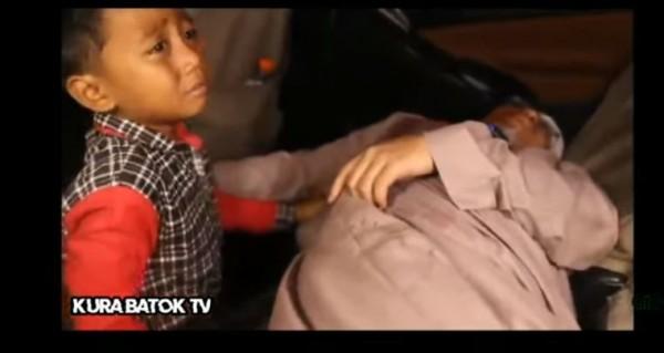 Screenshot YouTube akun Kura Batok TV tentang video tertembaknya Gus Idris (foto: istimewa)