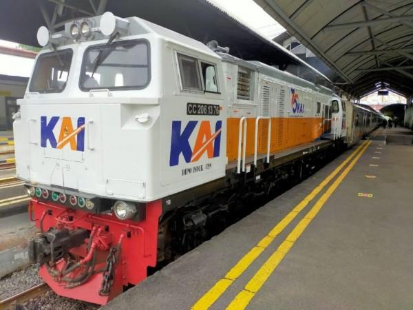 Gerbong Kereta Api Brawijaya tampak berada di Stasiun Malang Kota Baru. (Foto: Istimewa)