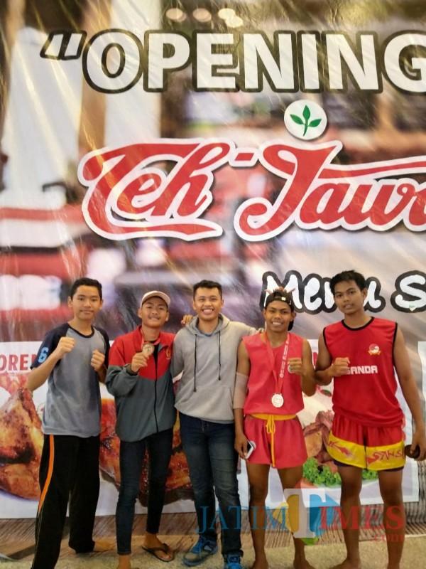 Para atlet wushu Banyuwangi saat mengikuti kejuaraan di Jatim sebelum pandemi (Foto: ketua Pengcab WI Banyuwangi untuk Jatim Times)