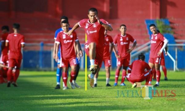 Pemain Persik Kediri saat berlatih di Stadion Brawijaya .(eko arif s/Jatimtimes)