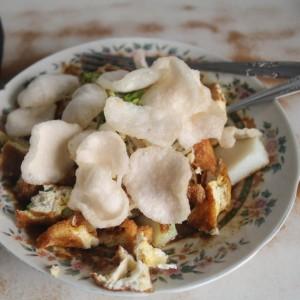 Lezatnya, Yuk Nikmati Sajian Tahu Lontong Lonceng Khas Kuliner Legendaris Kota Malang Sejak 1935