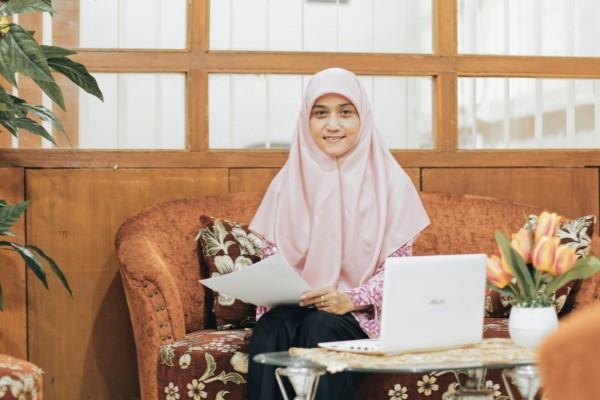Sosok Dr Maris Kurniawati SSi MKes MSi. Dosen Program Studi (Prodi) Pendidikan Fisika yang juga sekretaris LPPM (Ist)