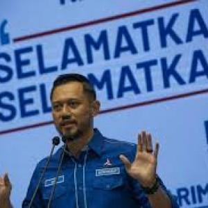 Sumpah Setia ke AHY, Kader Partai Demokrat Banten Bubuhkan Darah di Atas Kain Putih