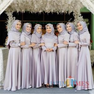 Inspirasi Model Baju Bridesmaid Hijab yang Cantik Kekinian