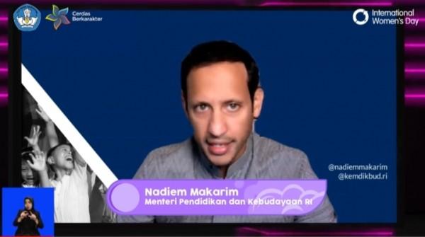 Mendikbud Nadiem Anwar Makarim  saat membuka Webinar Perempuan pemimpin dan kesetaraan gender (Ist)