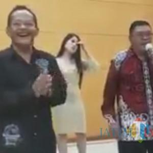 Pesta Dangdut Wali Kota Blitar Viral, Polisi Akan Periksa Biduan