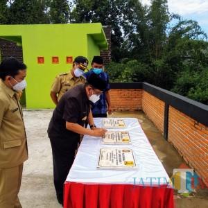 Resmikan Proyek DAK-SLBM, Wali Kota Blitar Ajak Masyarakat Jaga Pola Hidup Bersih