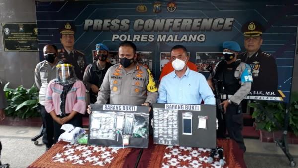 Polres Malang saat rilis kasus narkoba (foto: istimewa)