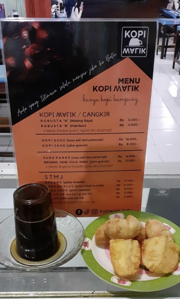 Warung kopi walik  di Jalan Dewi Sartika, Kota Batu (foto istimewa)