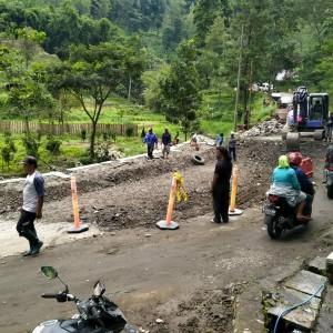 Pembangunan Jalan 60 Persen, Jalur Kediri-Batu Dapat Dilewati Kendaraan Roda Dua