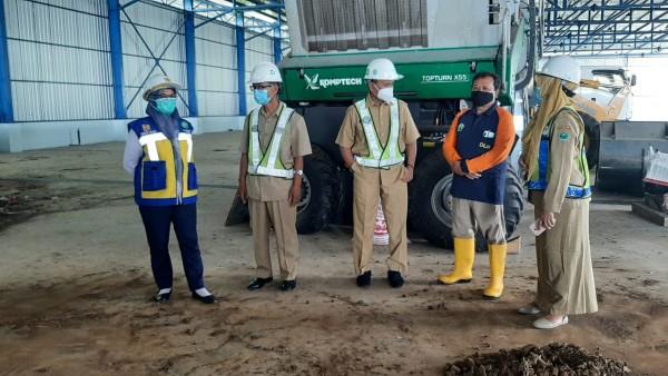 Serah terima mini-depo dari Kemenperin ke DLH Kota Malang di TPA Supit Urang. (DLH Kota Malang for MalangTIMES)
