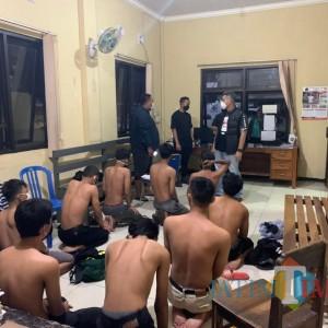Polisi Blitar Amankan 13 Bocah Nakal usai Pukuli Warga dan Jarah Makanan