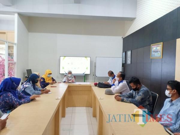 Suasana saat LPPM Unidha mengelar konferensi pers. (Foto: Anggara Sudiongko/MalangTIMES)