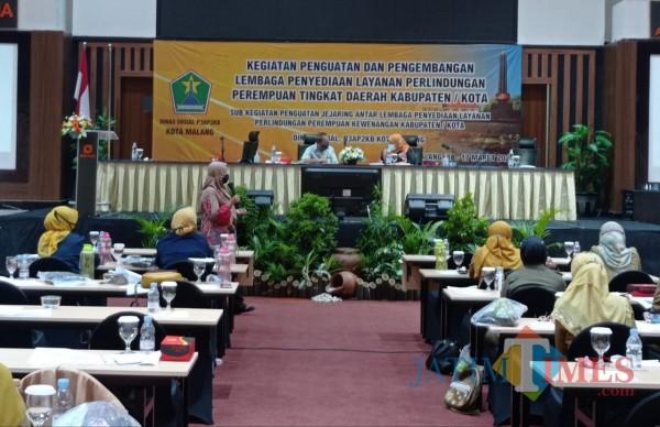 Focus Group Discussion (FGD) yang digelar Dinsos-P3AP2KB Kota Malang (Hendra Saputra/MalangTIMES)