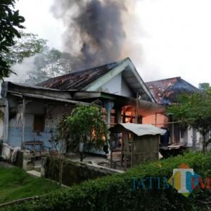 Kebakaran di Selok Awar-Awar Hanguskan 2 Rumah, Uang 67 juta dan Motor CBR
