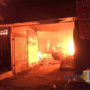 Ini Video Kebakaran Hebat Pasar Campurdarat Tulungagung